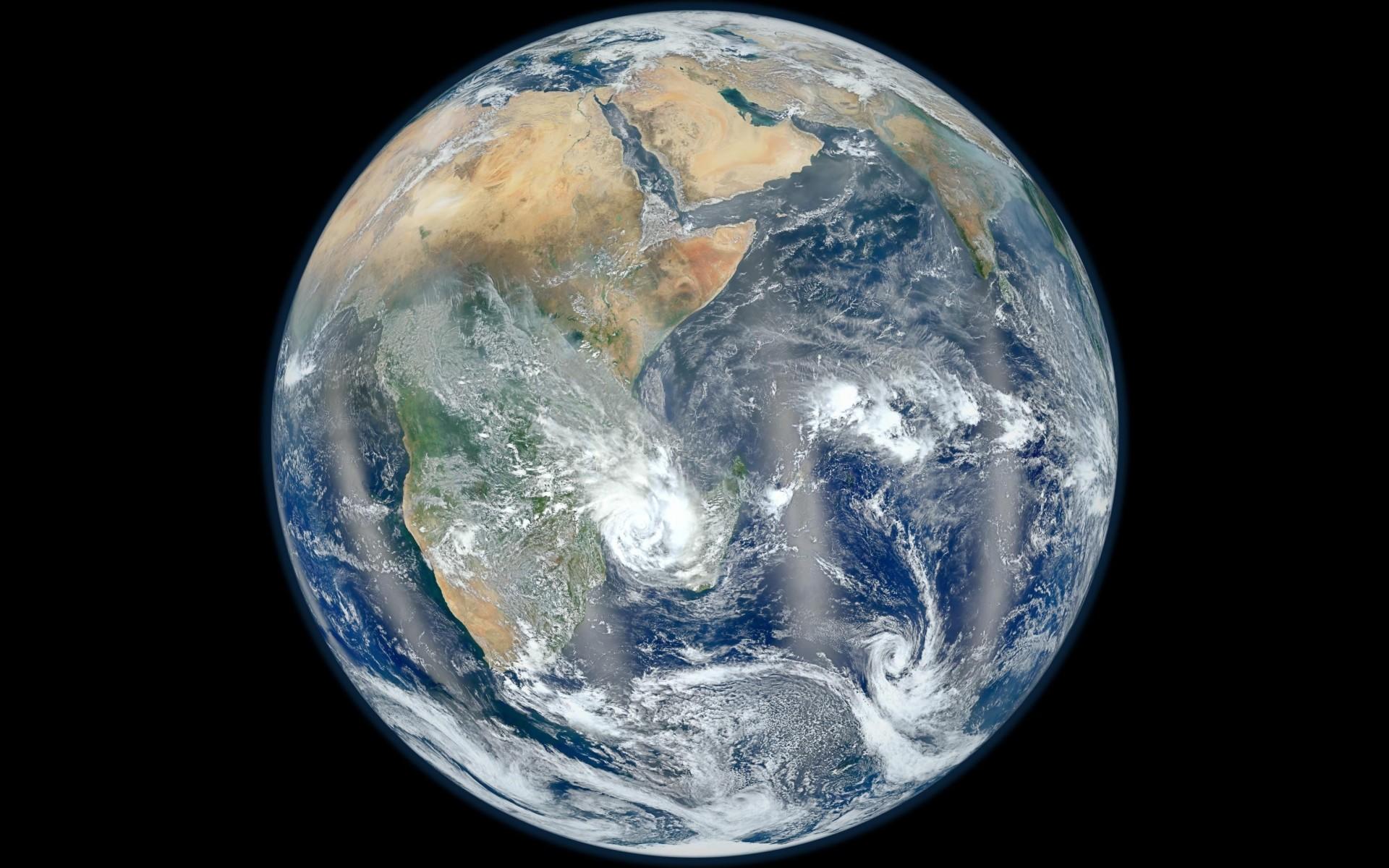 Desktop Wallpaper 178 – La Terra dallo spazio