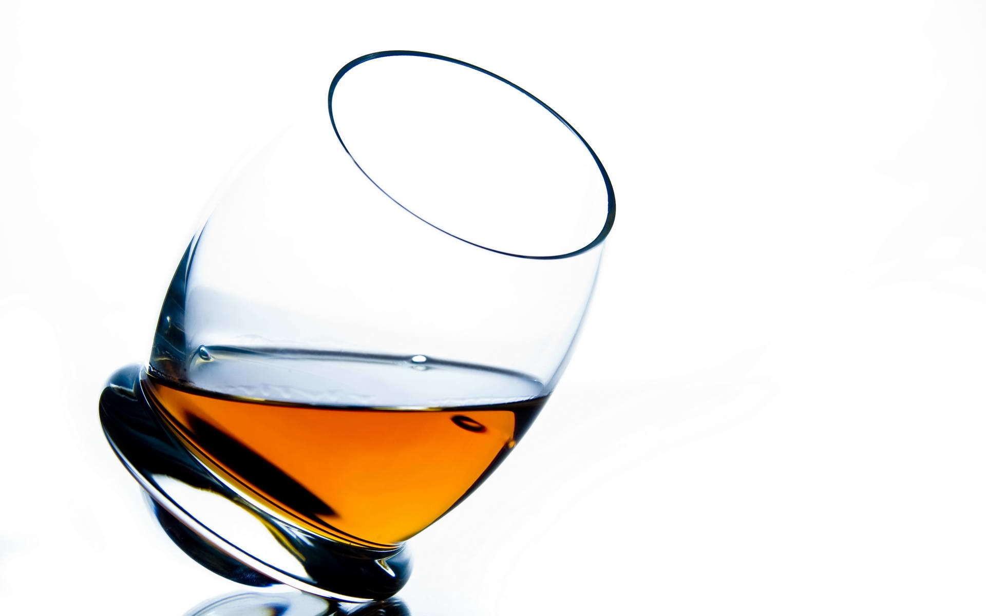 Desktop Wallpaper 185 – Bicchiere di liquore