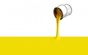 Secchio di vernice gialla