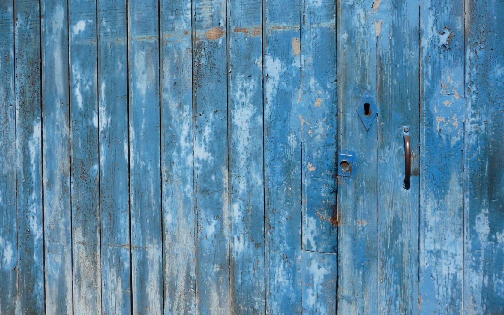 Desktop Wallpaper 227 – Porta azzurra